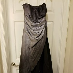 Long Strapless Formal Evening Prom Gown